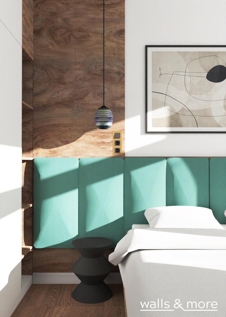 projektowanie wnętrz wallsandmore mała sypialnia z tapicerowanymi zagłówkami biel i zieleń